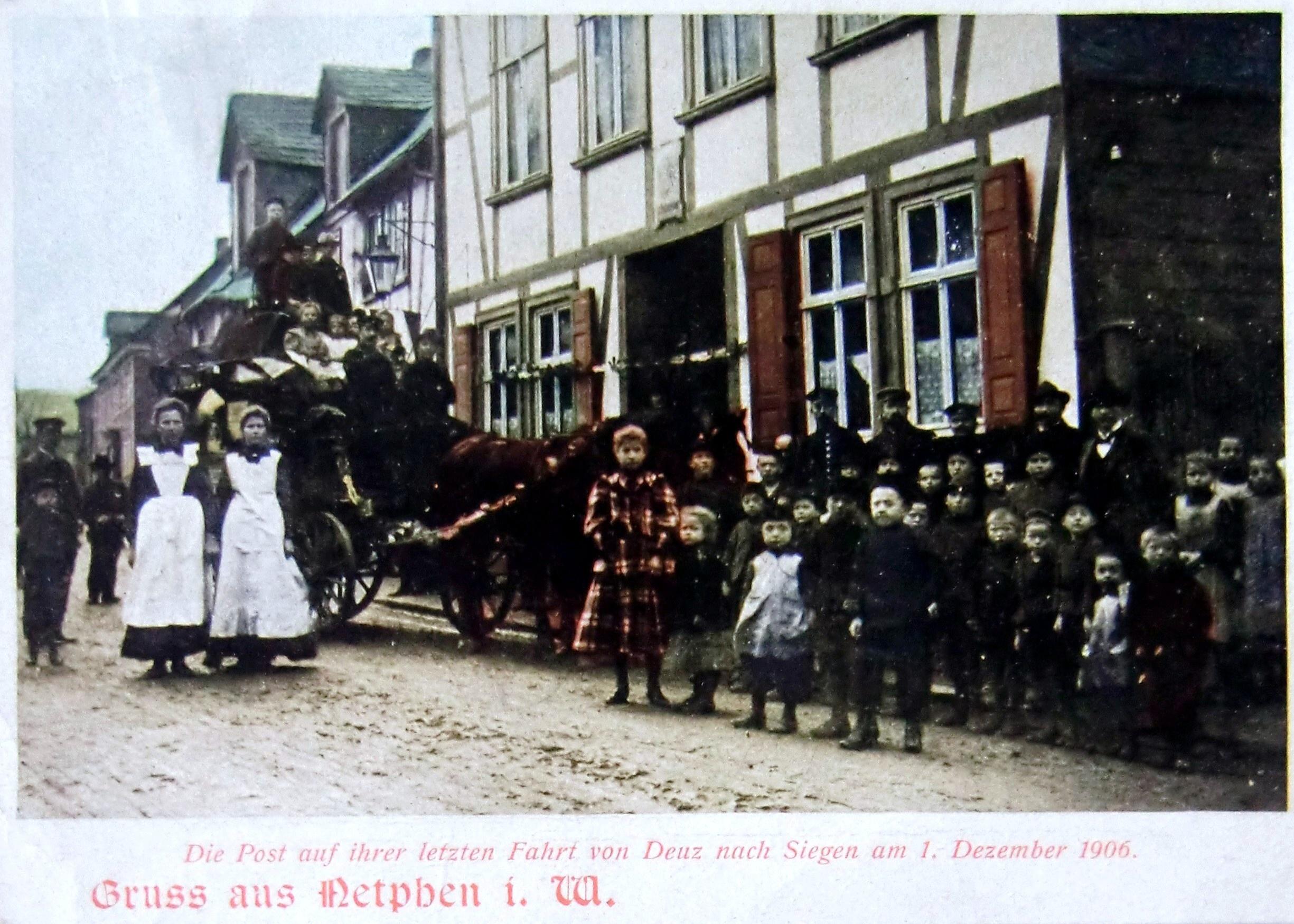 AK-letzte-Postkutschenfahrt-1.12.1906-in-Netphen-Slg.-M.-Reber