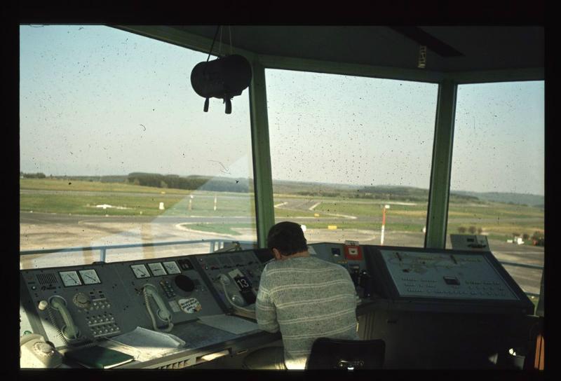 Blick vom Tower auf den Flughafen