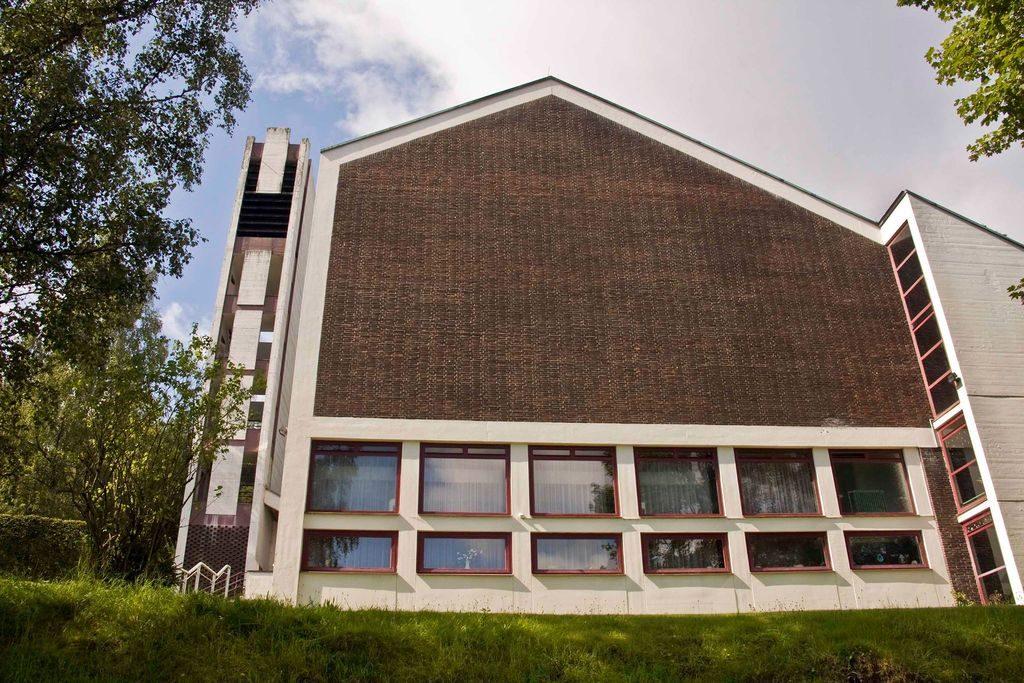Architektur 1960 brutalismus im kreisgebiet erl serkirche siegen winchenbach - Architektur siegen ...